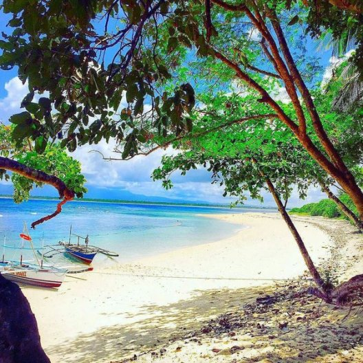 Beaches in Philippines - celebrate your perfect beach holiday in Philippines with Filipino Travel Agency in UK